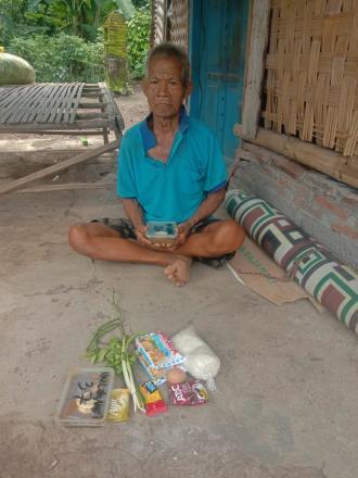PEMBERIAN BAHAN PANGAN DARI YAYASAN KYCHANGE PROJECT INDONESIA